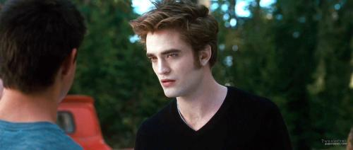 Robert-Pattison-Screencaps-From-the-Eclipse-Trailer-twilight-Series